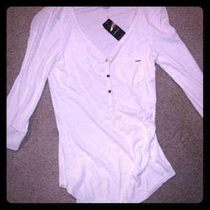 Bebe XS white ribbed tee w gold buttons 3/4 sleeve